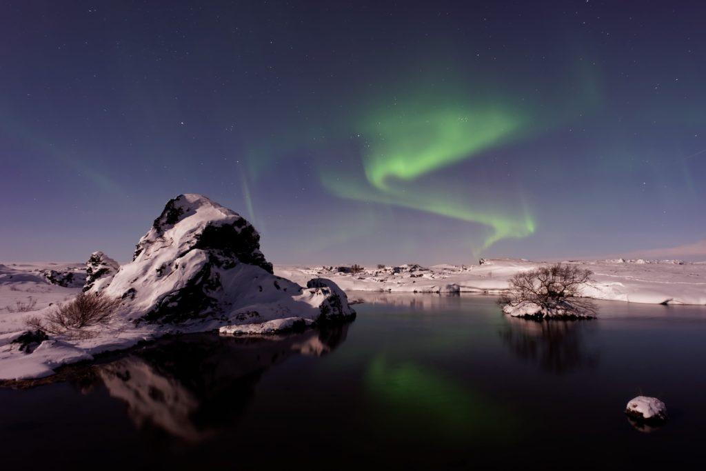 aurora-borealis-1866596_1920